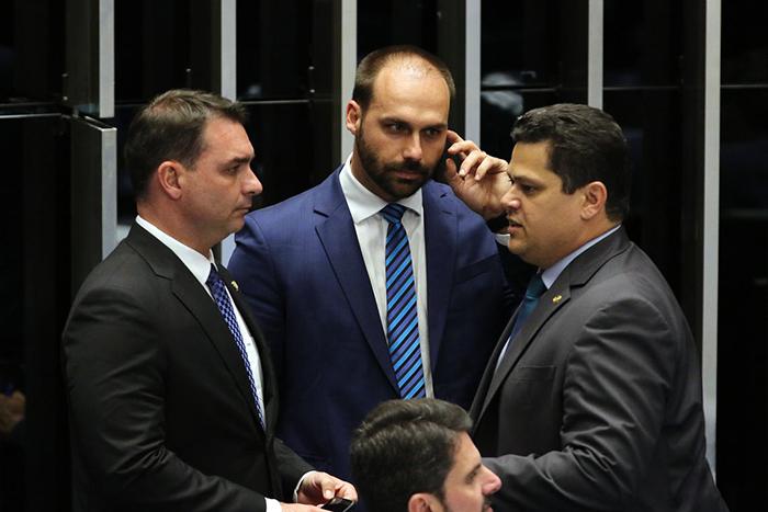 A desistência de Eduardo Bolsonaro já era esperada pelos apoiadores do presidente