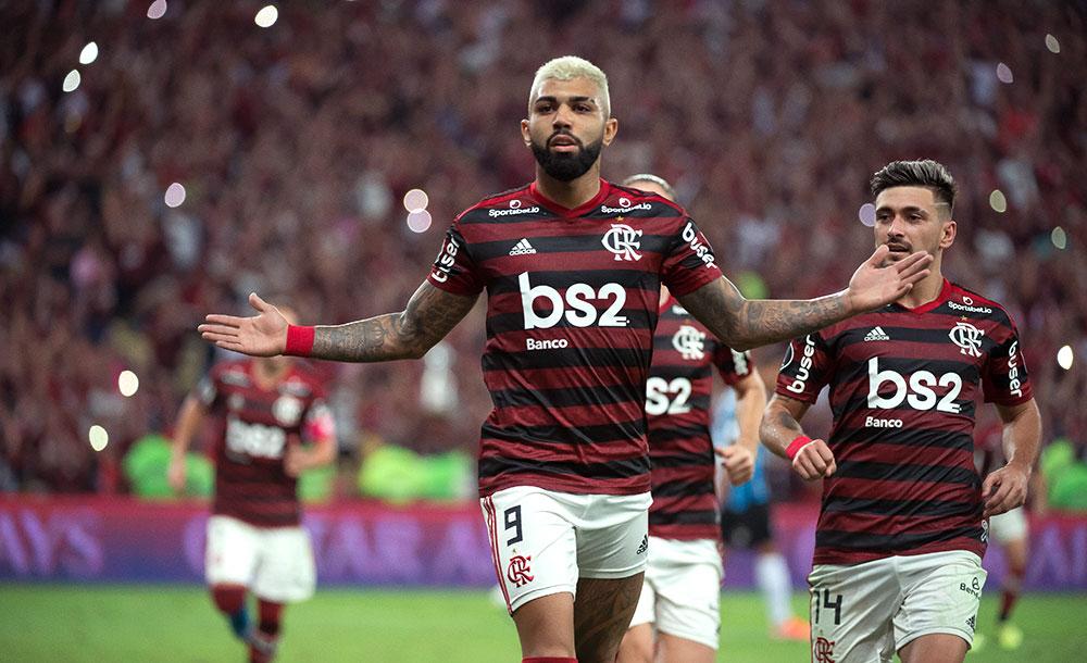 Gabigol fez dois gols na goleada sobre o time gaúcho.
