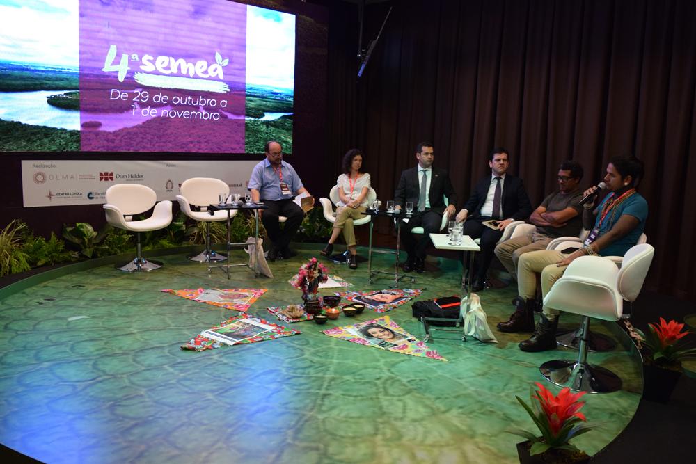 Líder indígena, Geovani Krenak, falou sobre a situação de seu povo que foi vítima do crime ambiental da Samarco ocorrido em Mariana