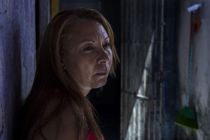 Lucineide da Silva Damasceno busca o filho desaparecido desde 2008. Famílias reclamam da desatenção e querem cadastro nacional.