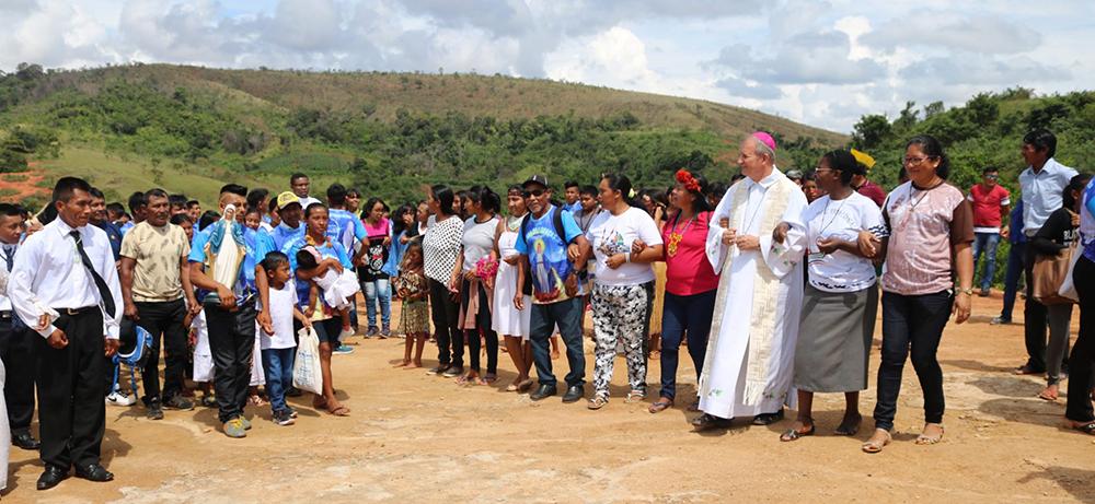 Sete comunidades indígenas da Raposa Serra do Sol receberam a visita do bispo diocesano de Roraima, Dom Mário Antônio da Silva, entre os dias 26 a 29 de setembro.