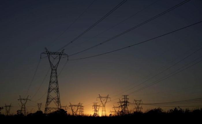 O consumidor tem o direito de não pagar o ICMS sobre a Tusd e a Tust que, embora componham o preço final da nota de energia elétrica,  não se confundem com o valor pago pela energia propriamente dita.