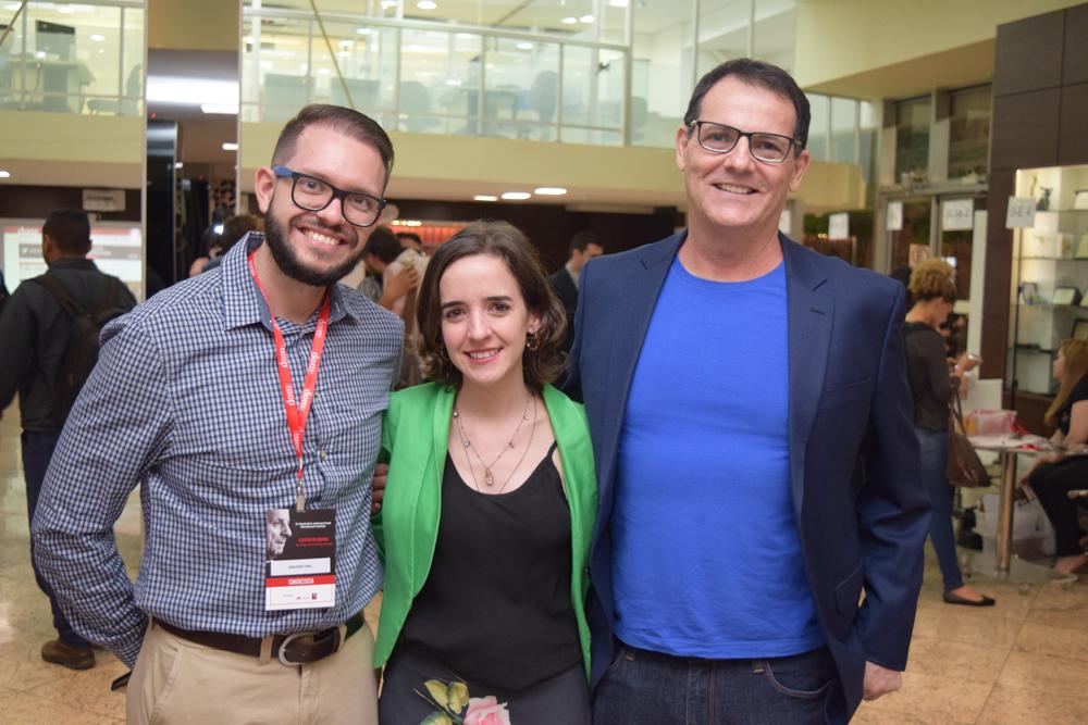 O secretário do Cebel, professor Gregory Rial; a professora da Dom Helder, Ana Gabrich; o presidente do Cebel, professor Nilo Ribeiro.
