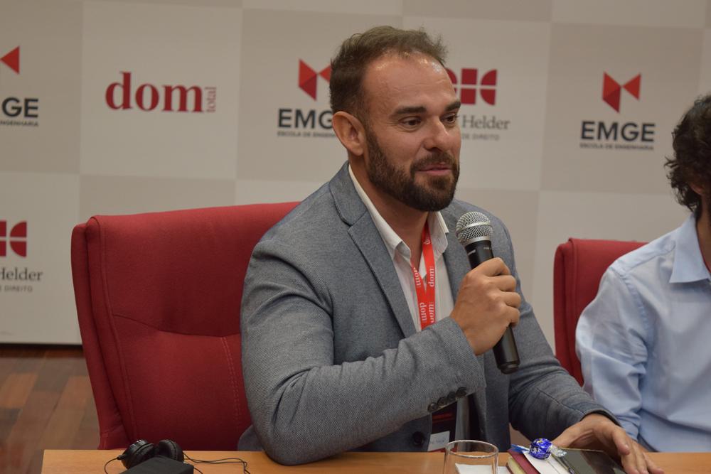 Professor Sandro Cozza Sayão participou da segunda etapa dos trabalhos.
