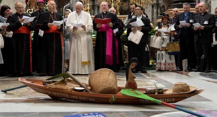 Para além do tema específico da Amazônia, tão urgente, é verdade, o que nós, como Igreja no Brasil podemos aprender com a iniciativa colegiada e corajosa de Francisco?