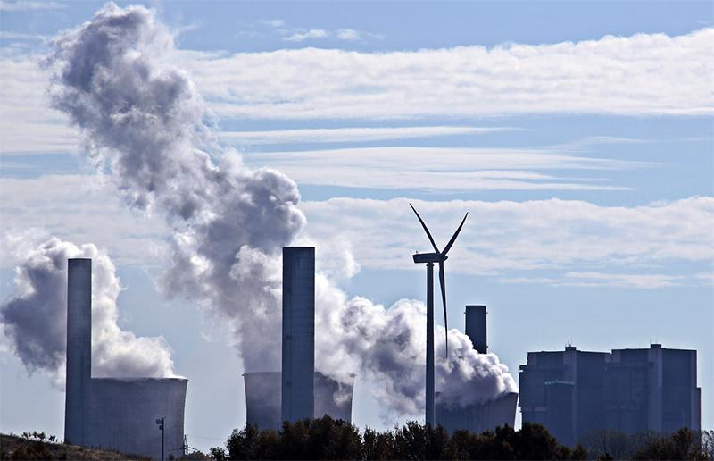 Políticas públicas, globalização e desenvolvimento sustentável são foco de uma das linhas de pesquisa.