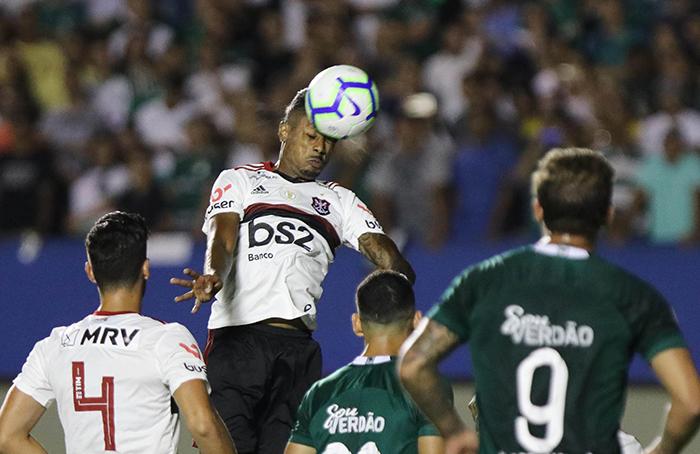 Com o empate, o Flamengo viu a vantagem para o vice-líder Palmeiras cair para oito pontos
