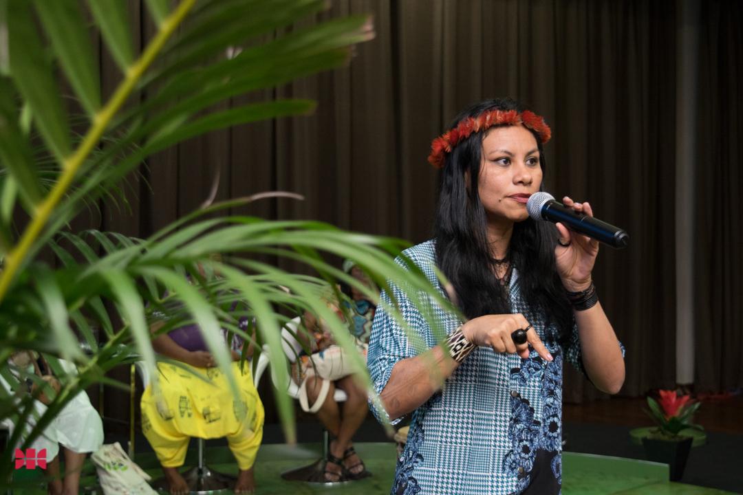 Márcia Kambeba na mesa 'Mulheres dos povos tradicionais da Amazônia: Lutas e desafios' durante a Semea 2019