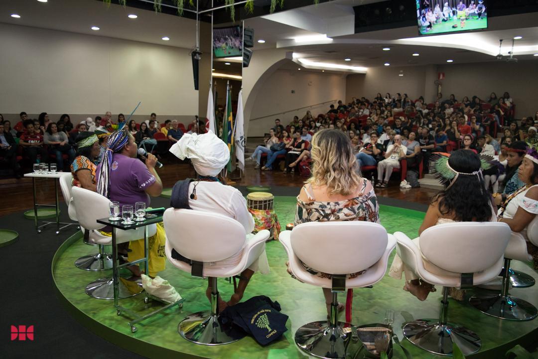 Vivia Cardoso na mesa 'Mulheres dos povos tradicionais da Amazônia: Lutas e desafios' durante a Semea 2019