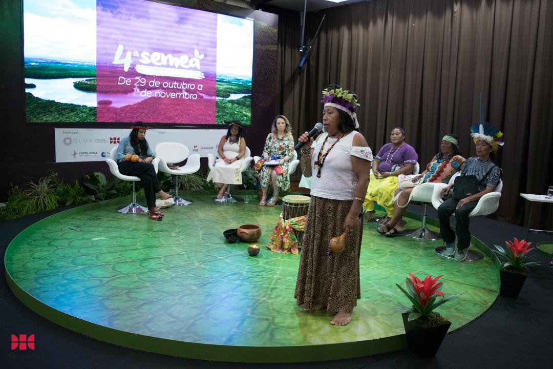 Igaré Kaigang na mesa 'Mulheres dos povos tradicionais da Amazônia: Lutas e desafios' durante a Semea 2019