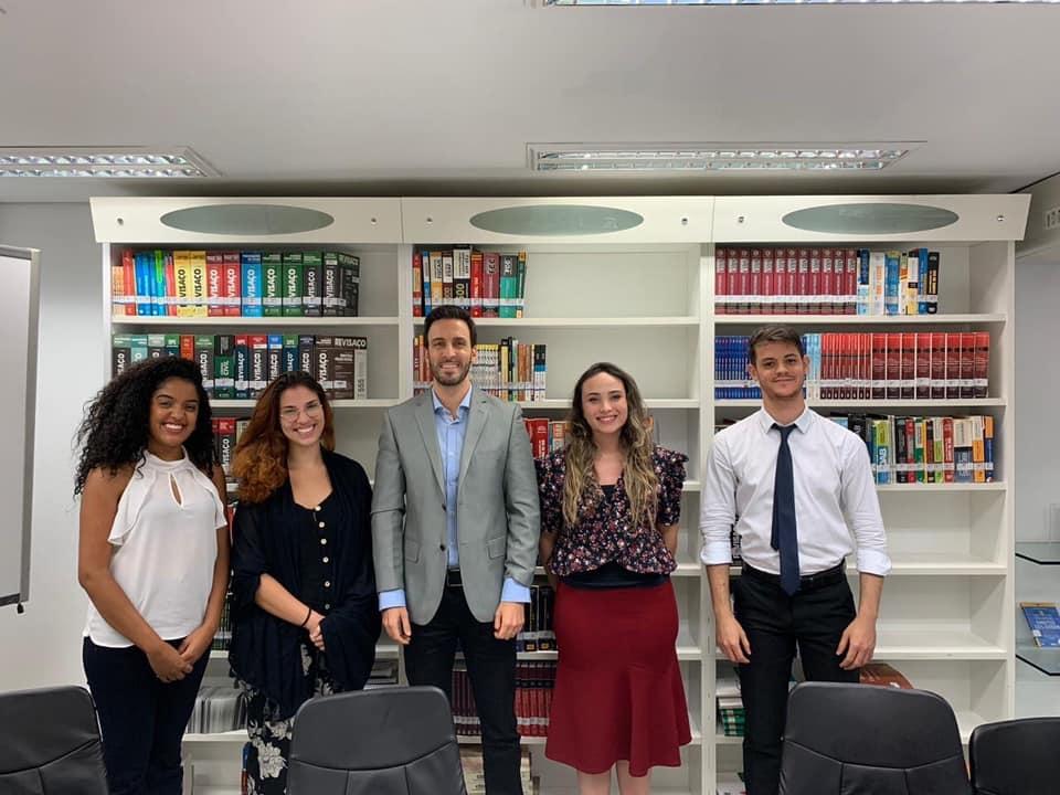 Já a equipe 313 é formada por Camila Costa Marques, Talita Ferreira de Brito dos Reis, Izabelle Lauar Schirmer e Urick Soares de Paula, com a coordenação do professor Luciano Costa Miguel.