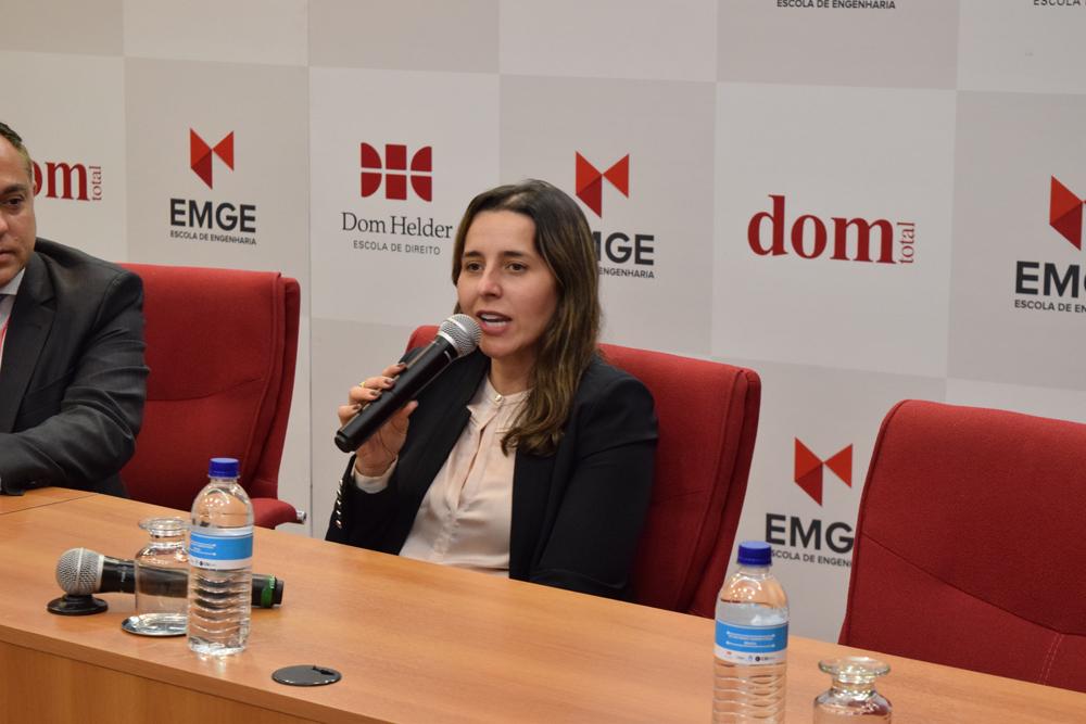 Professora Camila Martins participou da abertura do evento