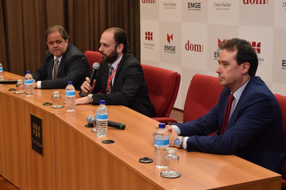 João Nüske fala durante a abertura da competição