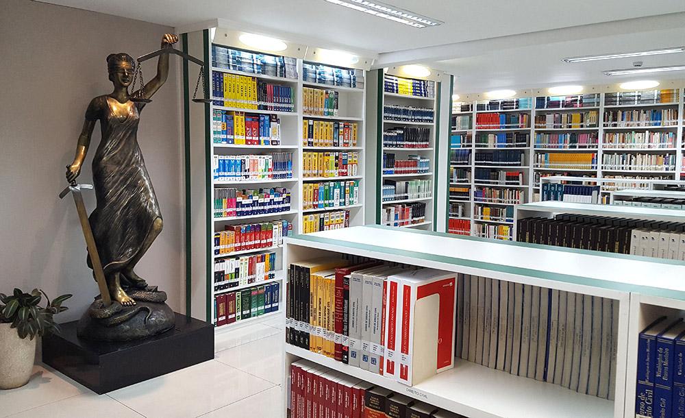 A biblioteca Dom Helder / EMGE oferece o que há de mais atual e completo em acervo multidisciplinar