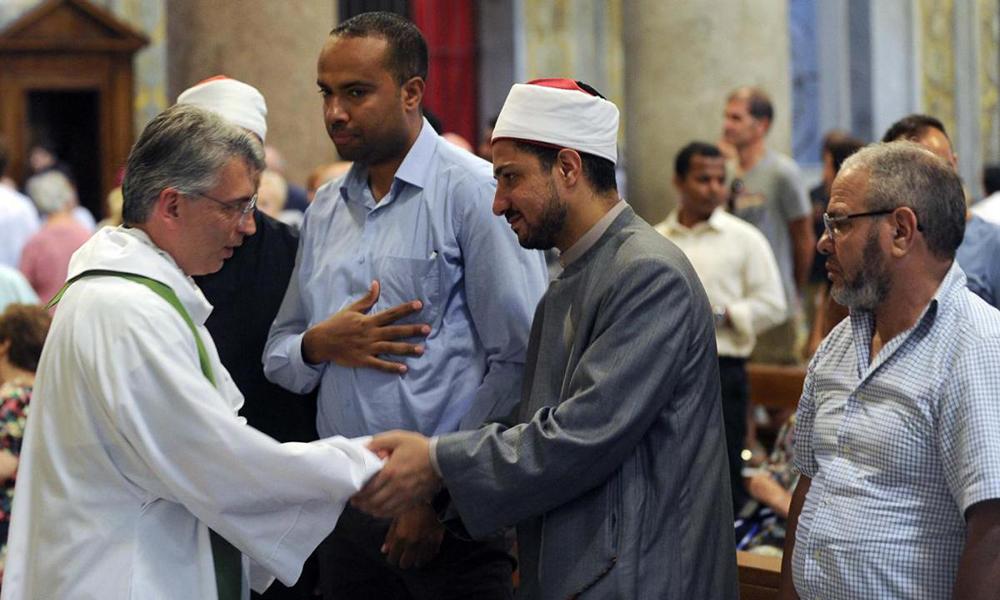 Alguns representantes da Comunidade Islâmica durante missa em Roma