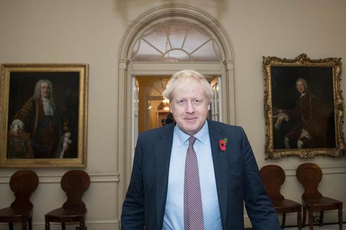 Premiê britânico, Boris Johnson, visitia Palácio de Bukingham para audiência com Rainha Elizabeth