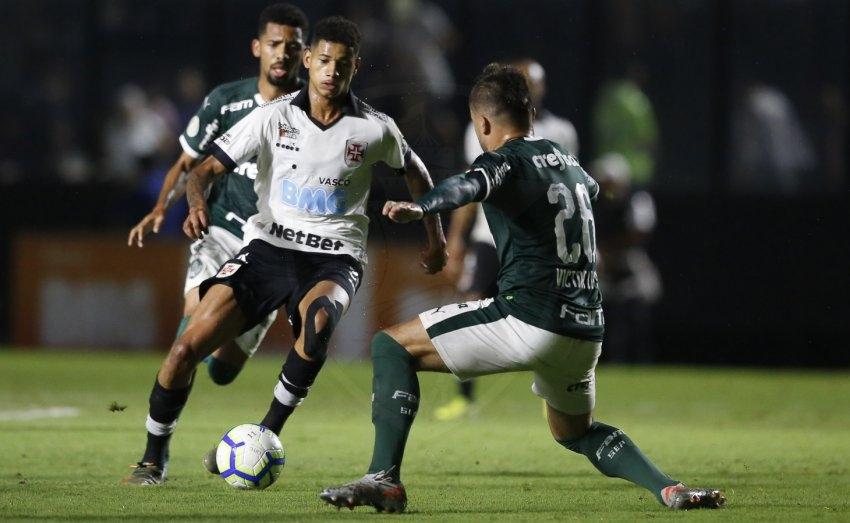 Nesta quarta-feira, Vasco soma mais uma derrota em casa e complica sua situação no Brasileirão