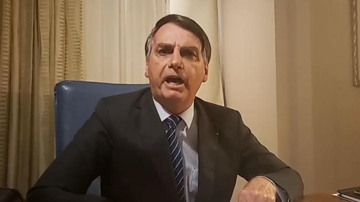 Presidente Jair Bolsonaro se defende de acusações sobre o caso Marielle através de suas redes sociais