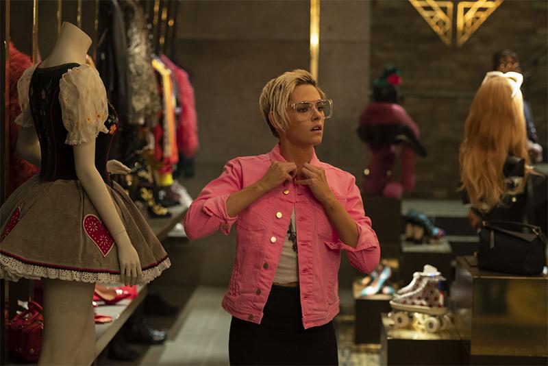 Kristen Stewart em cena do filme 'As Panteras'