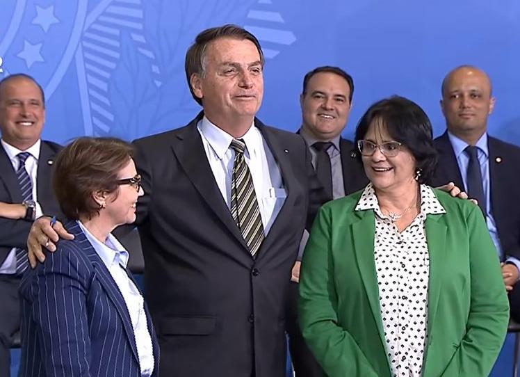 Lançamento do programa teve participação do 1º escalão do governo