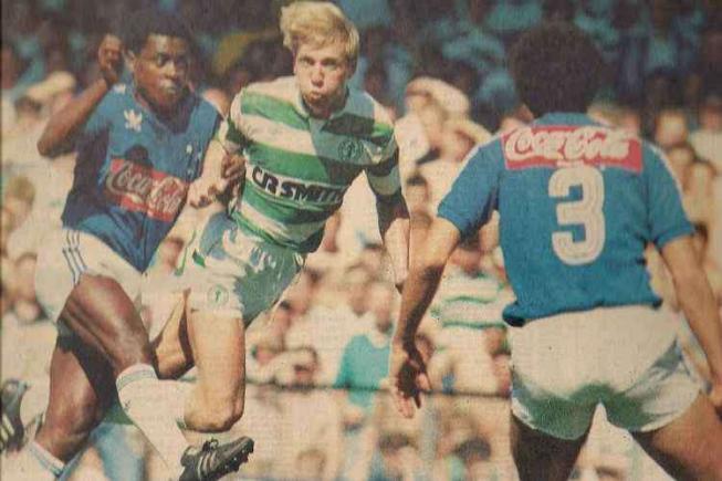 Cruzeiro já vestiu Adiadas na década de 1980 e seu retorno ao clube é um sonho do torcedor