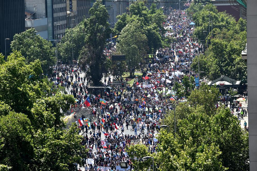 Manifestações ocorrem em várias cidades do país