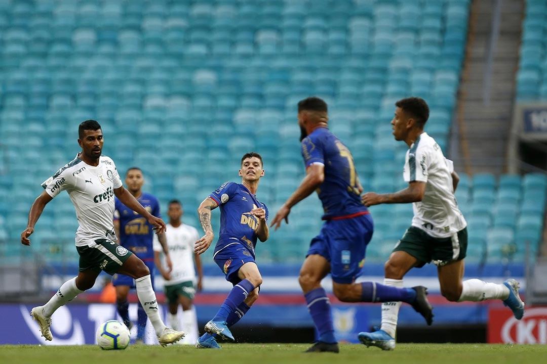 Desde os primeiros minutos dava para perceber que o Bahia seria ofensivo e buscaria o gol