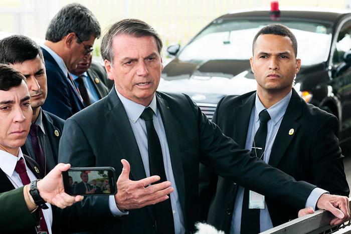 As declarações do presidente foram feitas em frente ao Palácio da Alvorada