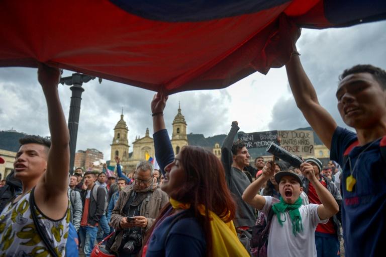 Manifestação contra o governo do presidente colombiano Iván Duque durante uma greve nacional em Bogotá