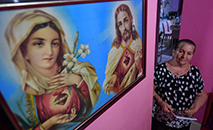 Maria Helena Locatelli em sua casa em Santarém, no Pará. (AFP)