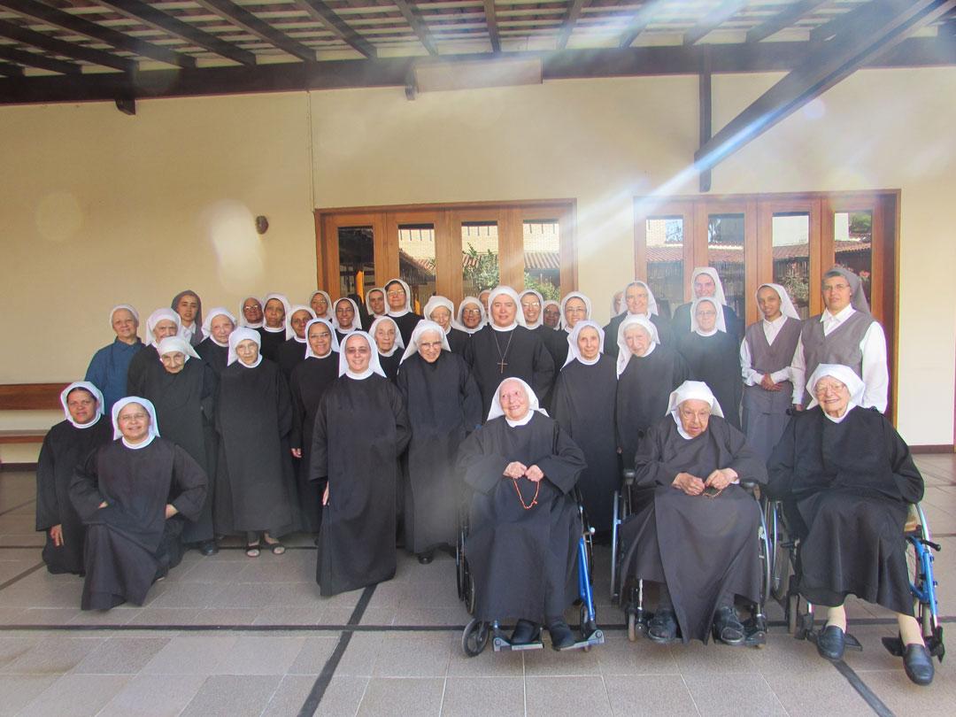 Monjas beneditinas em Belo Horizonte