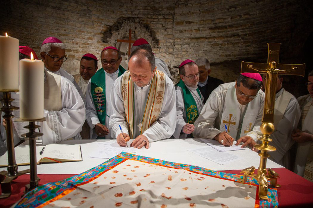 Pacto das Catacumbas pela Casa Comum é exemplo de fé que se desdobra em ética, um ato político e religioso