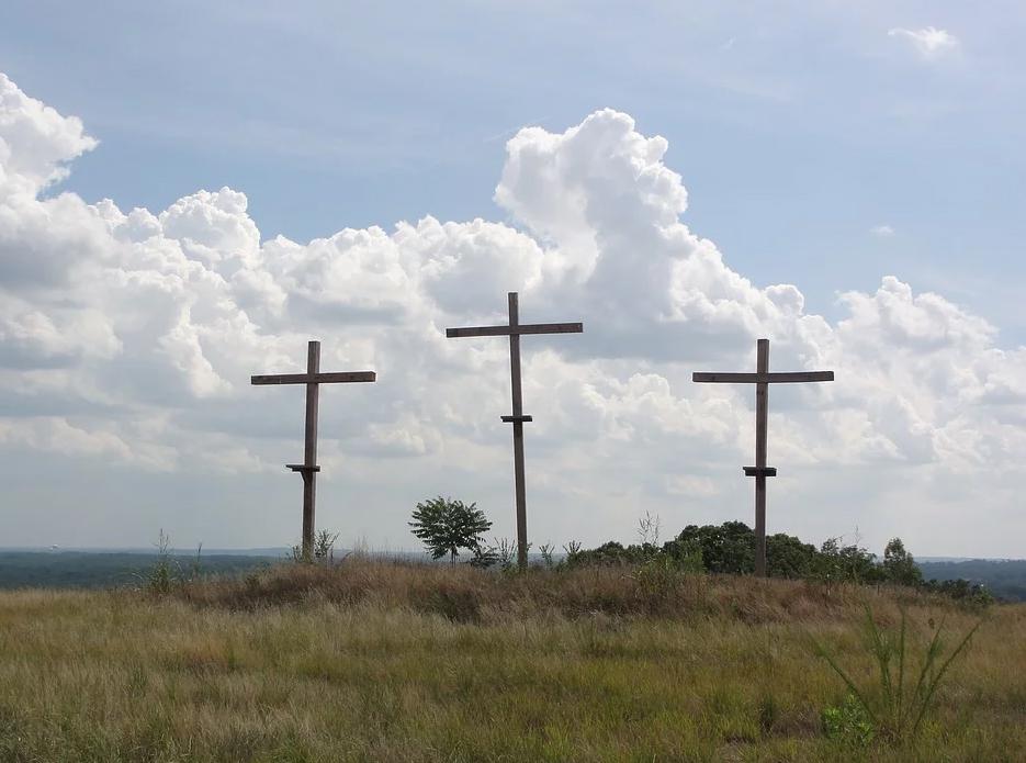 O único que o reconhece Jesus como rei é um condenado à morte, um maldito, um marginalizado da lei