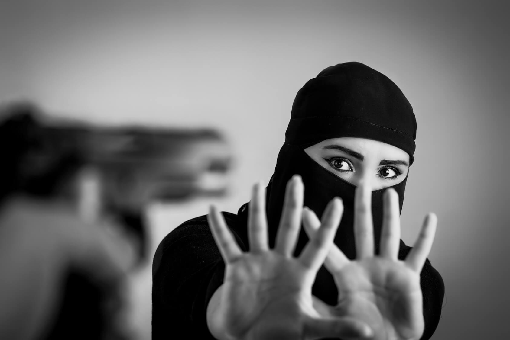 Como que esse medo motiva a intolerância religiosa e como seria possível combatê-lo?