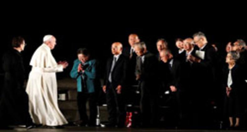 Na semana passada, papa se encontrou sobreviventes do ataque nuclear de Hiroshima, no Japão (REUTERS/Kim Kyung-Hoon)