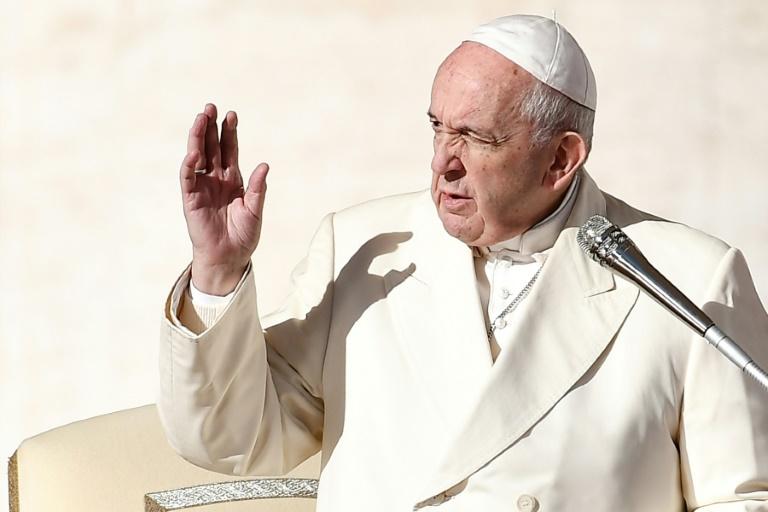 O Papa Francisco participa de audiência geral na Praça de São Pedro, Vaticano