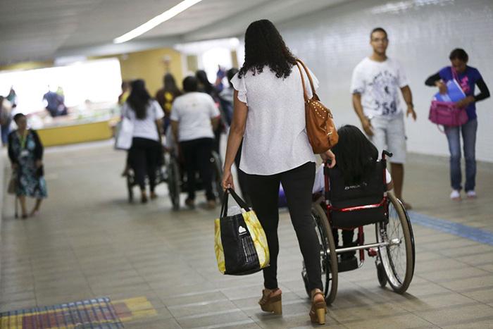Especialistas lembram que, em 2007, o Brasil assinou em Nova Iorque a Convenção sobre os Direitos das Pessoas com Deficiência