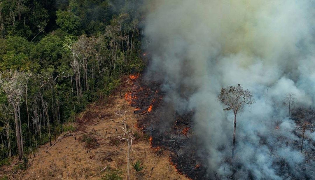 Incêndio nos arredores de Porto Velho (RO), em 24 de agosto