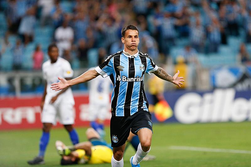 Ferreira do Grêmio ajudou a complicar ainda mais a vida do Cruzeiro no Campeonato Brasileiro