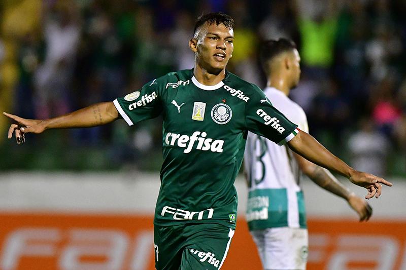 Gabriel Verón balançou as redes para o Palmeiras na vitória sobre o Goías