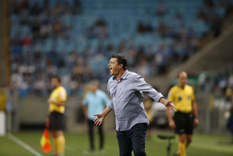 Em 17º lugar com 36 pontos e apenas sete vitórias, o Cruzeiro cairá se o Ceará, que tem 38 e 10 triunfos, ao menos empatar contra o Botafogo