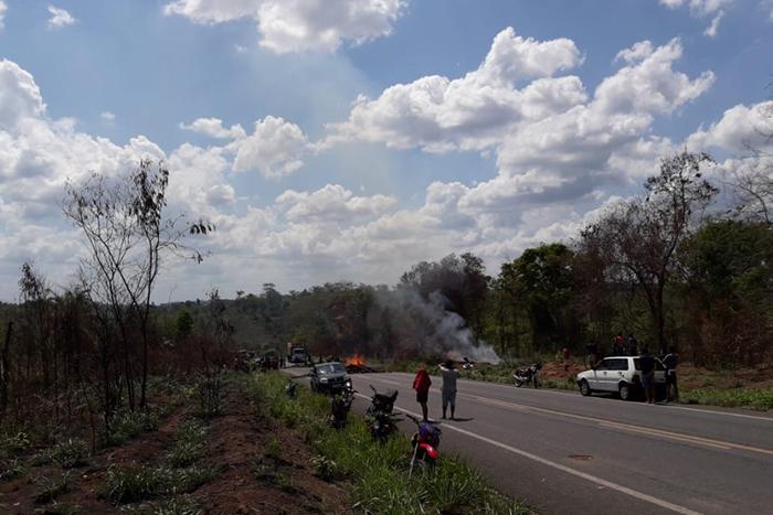 Após o ataque, os indígenas Guajajara iniciaram um protesto na rodovia BR-266, impedindo o acesso de veículos na rodovia