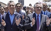 O presidente argentino em final de mandato, Mauricio Macri, e seu sucessor, Alberto Fernández, acompanhados de suas companheiras, Juliana Awada (à esq.) e Fabiola Yáñez, respectivamente, em missa em frente à Basílica de Luján (Noticias Argentinas/ AFP)