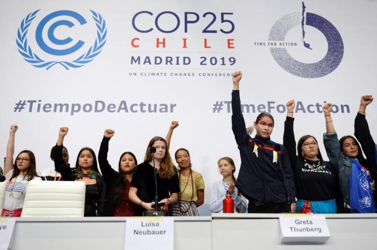 Conferência de imprensa de jovens ativistas pelo clima