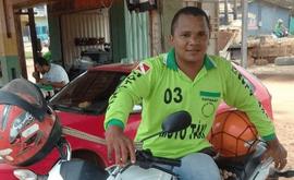 Quando voltou a viver em Anapu, Márcio não conseguiu uma terra para viver com a família e então passou a trabalhar como mototaxista (CPT)