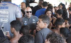 Pedidos de Sampaoli estão longe do que a diretoria pode oferecer (Ivan Storti/Santos FC)
