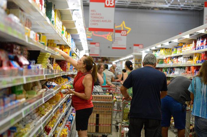 O preços dos alimentos e de moradia ditaram o tom da inflação mais elevadas para os mais pobres