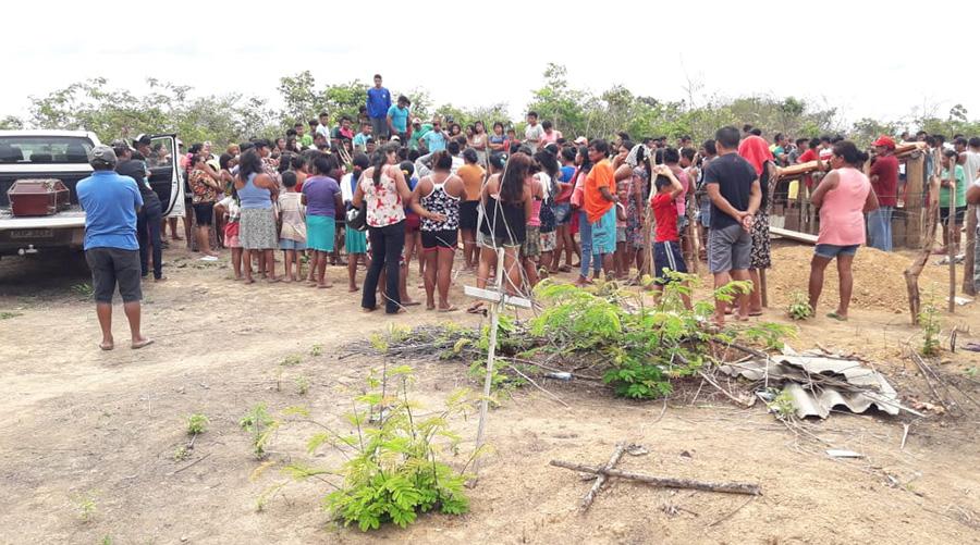Jair Bolsonaro tem dito e repetido, em vários espaços de repercussão nacional e internacional, que nenhum milímetro de terra indígena será demarcado