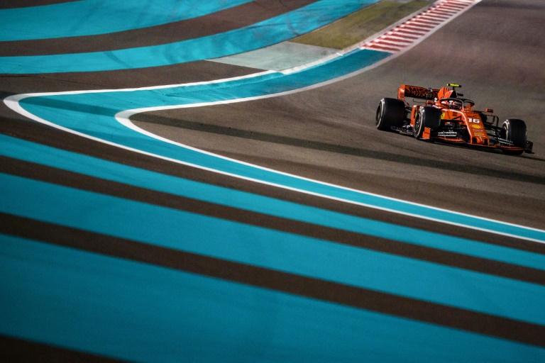 O piloto monegasco da Ferrari, Charles Leclerc, compete no Grande Prêmio de Fórmula 1 de Abu Dhabi no circuito de Yas Marina