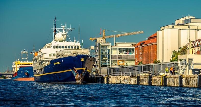 'Navegando pelo ambiente marítimo lembrei-me da história interessante da escolha de um novo prático de um porto' (Banco de imagens Pixabay)